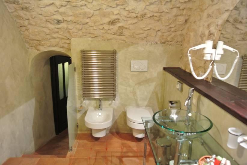 Mobile Bagno in legno rustico contemporaneo albergo Robur Marsorum fabbrica di Bagni oggetti di ...