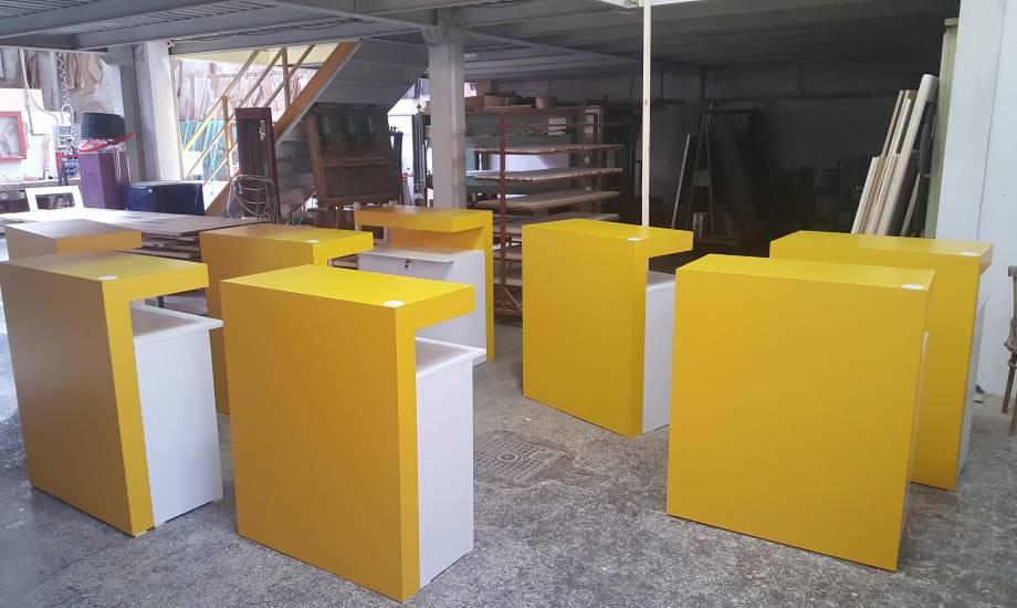 Legno Laccato Su Misura.Desk Fastweb In Legno Laccato Su Misura Fabbrica Di Bagni Oggetti