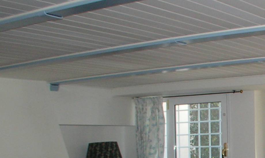 Soffitti In Legno Bianco : Soffitto travi a vista bianco drupalika