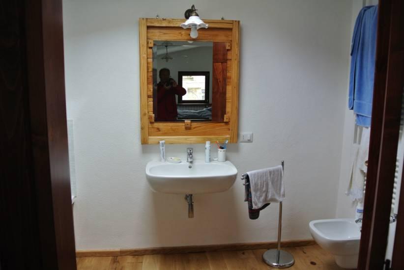 Specchio in legno su misura fabbrica di bagni oggetti di - Specchio su misura ikea ...
